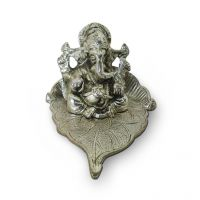 Decor Delight Ganesh Ji Statue On The Leaf Silver